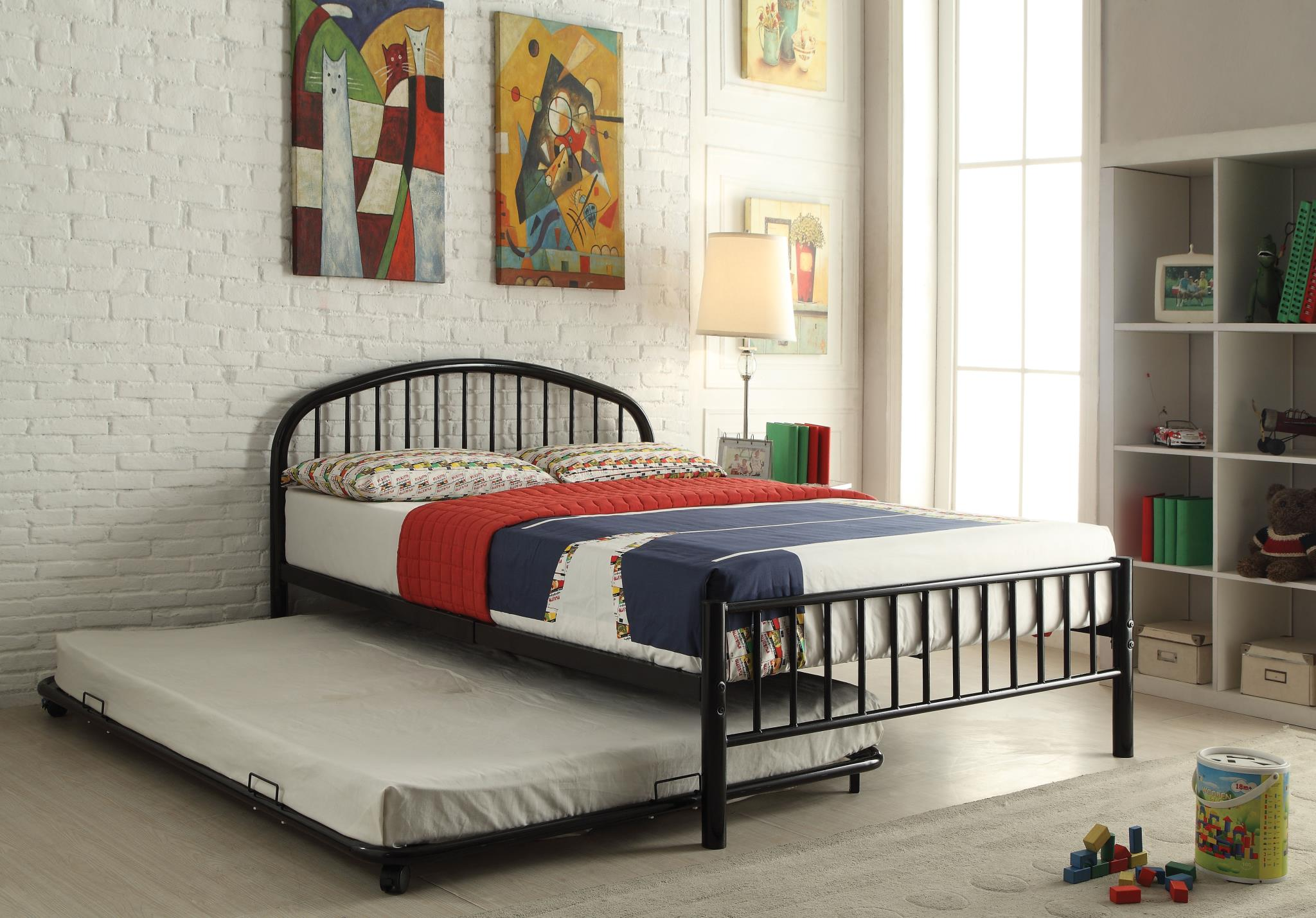 Black Metal Frame Bed w/ Trundle