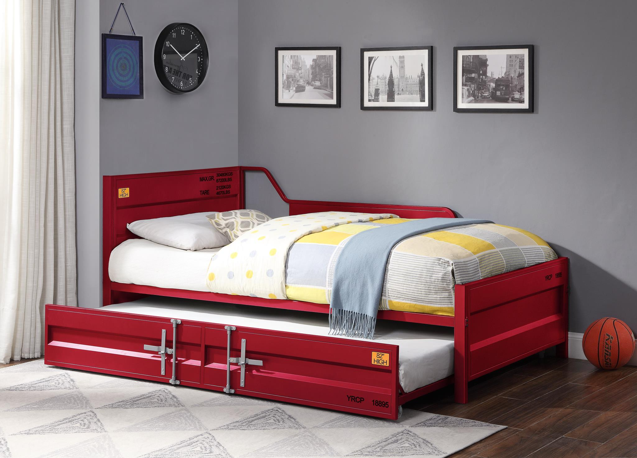 Red Daybed w/ Trundle