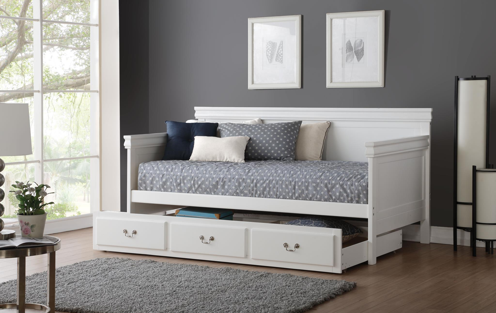 White Daybed w/ Trundle