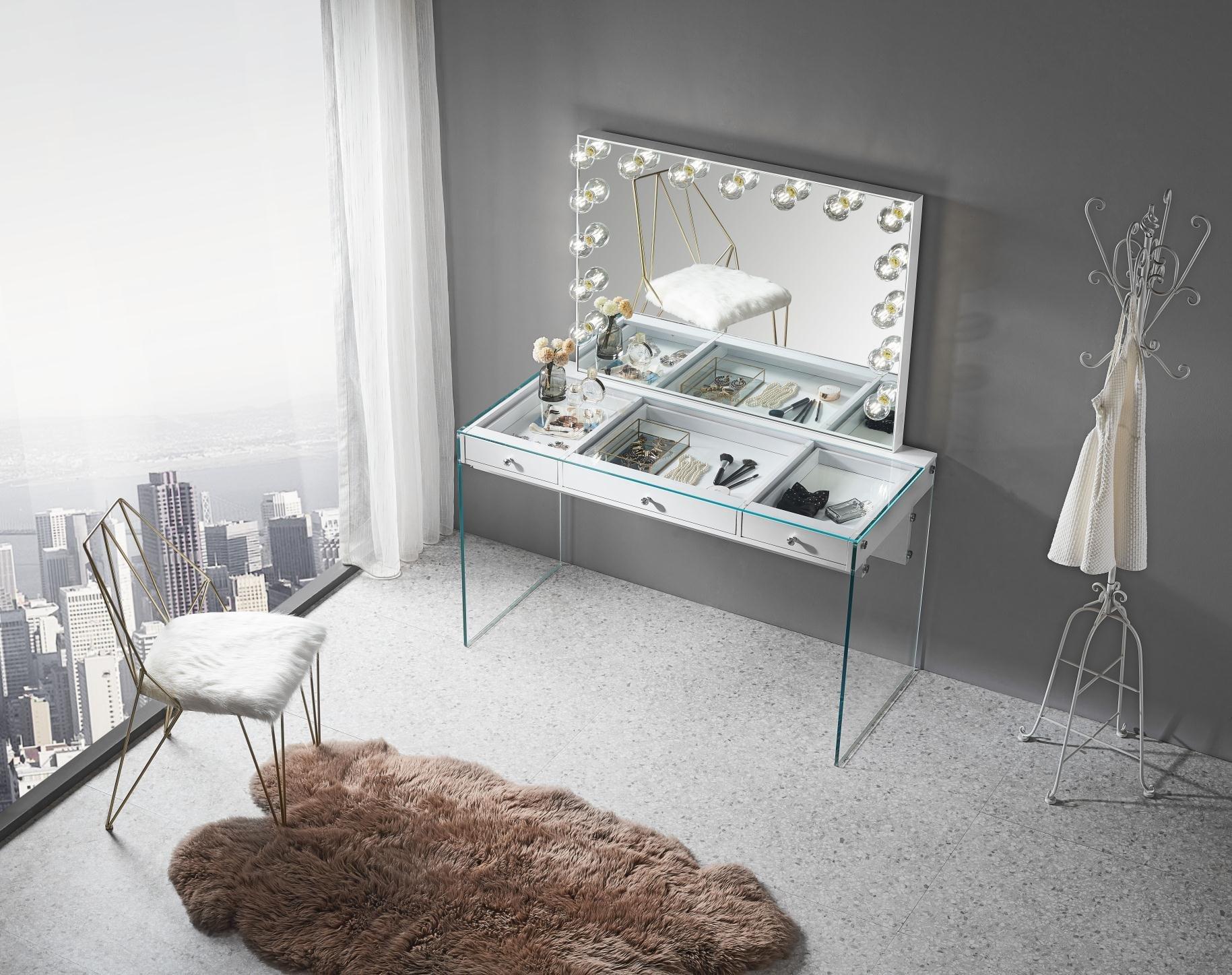 Slaystation® Vanity Table w/ Mirror Complete Setup