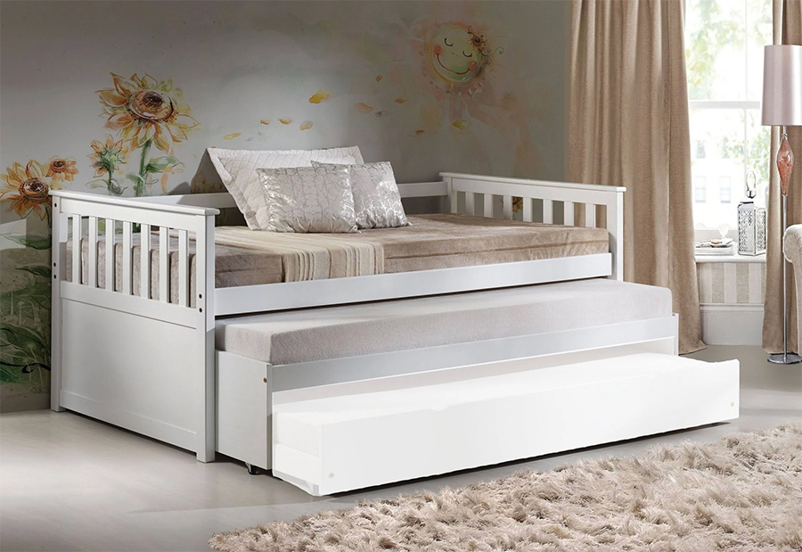 Daybed with Pull Out Bed