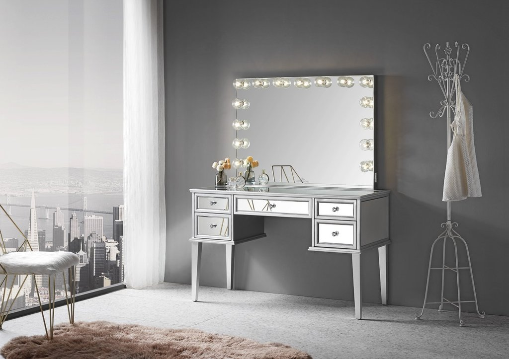 Mirrored Vanity Table w/ Mirror Room View