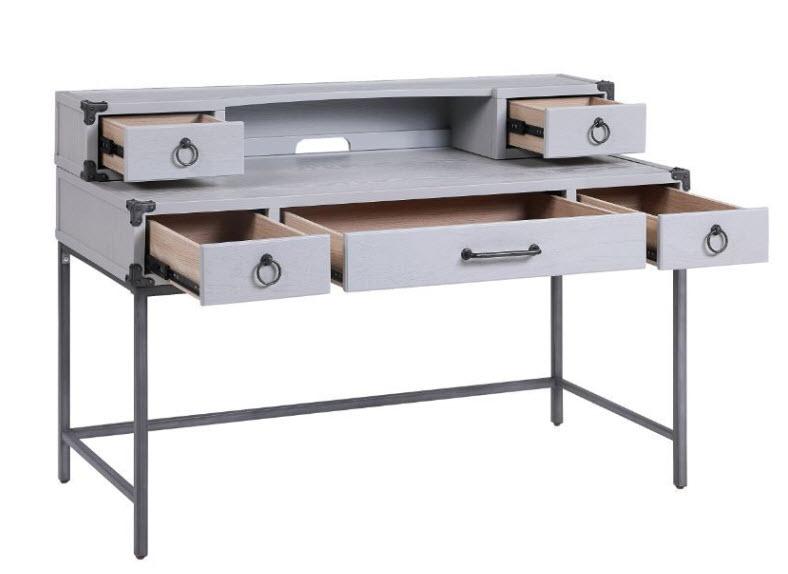 Desk W/Hutch