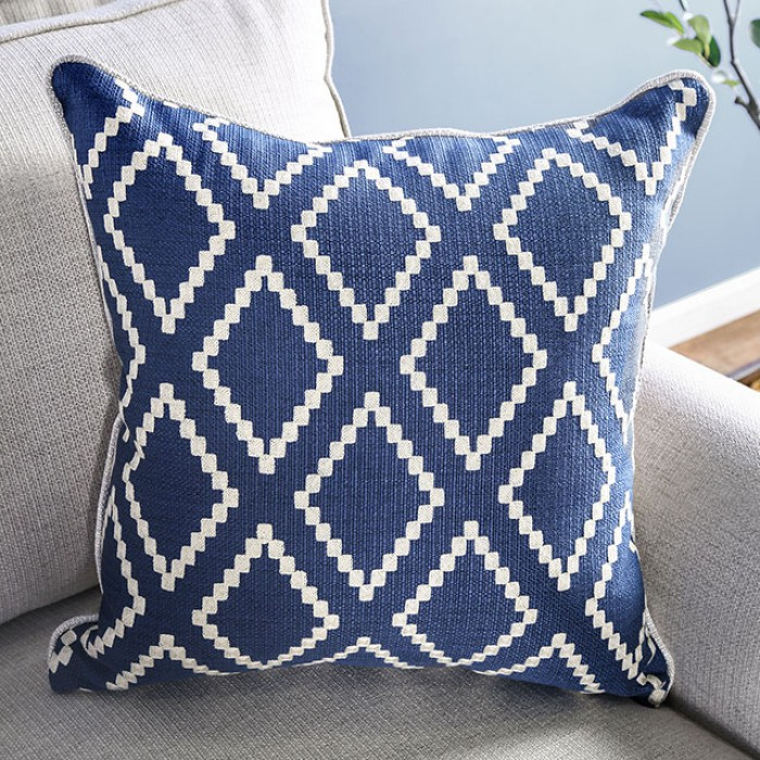 Included Pillows on Ivory Set